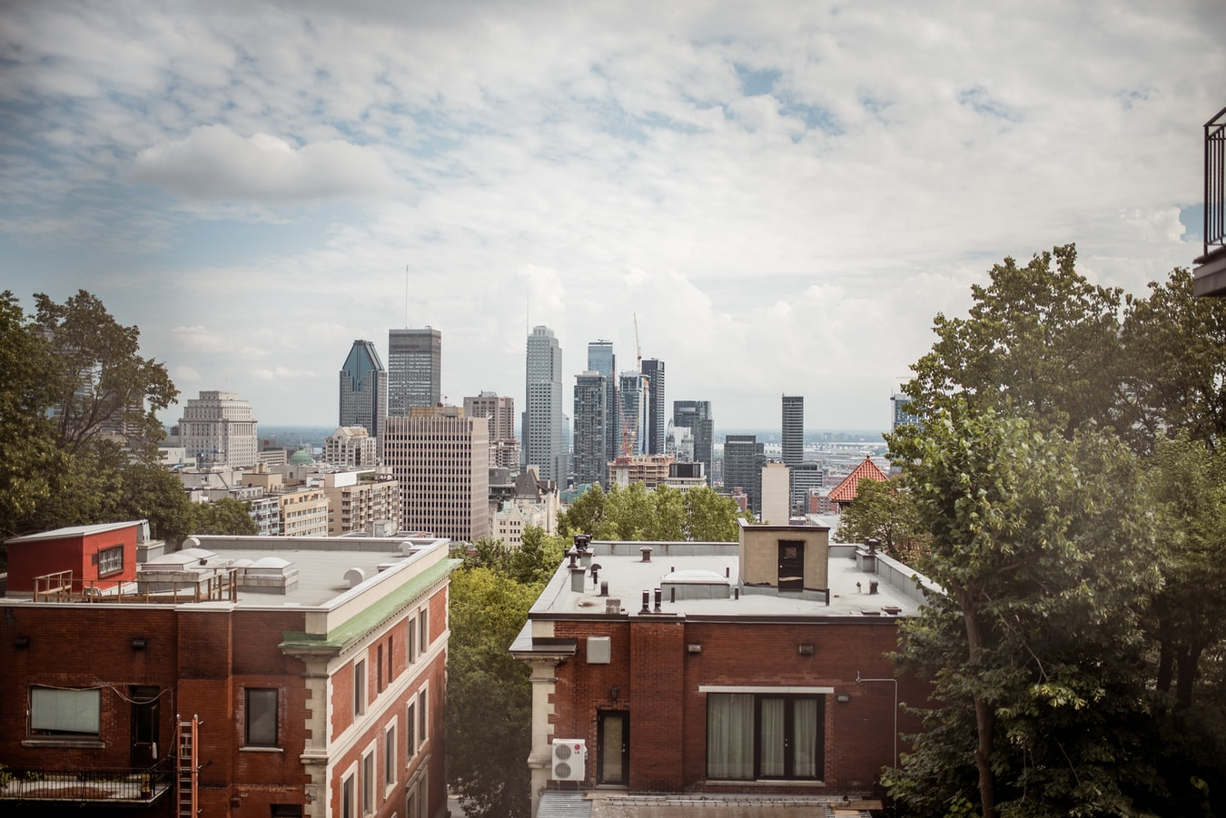 REAL ESTATE IN MONTREAL : 10 BEAUTIFUL CONDOS AND TOWN HOUSES